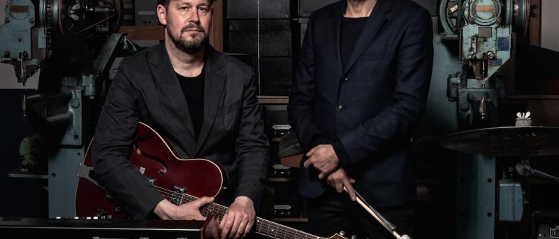ELVO Sessions: Gustaf Ljunggren og Emil de Waal med gæster inviterer til natkoncerter på æskefabrikken