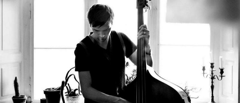 Musikalske venner og amerikansk guitarfænomen hylder Nicolai Munch-Hansen i Aarhus og København